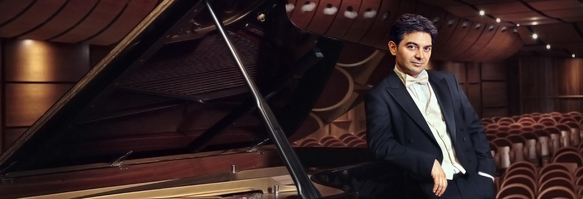 Stefano Greco, pianist.
